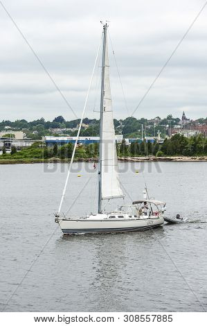 New Bedford, Massachusetts, Usa - June 26, 2019: Sailboat Vixen Making Her Way Out Of New Bedford Ha
