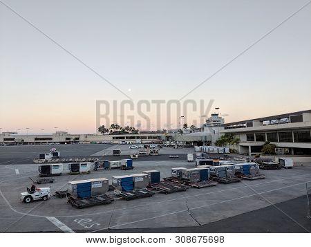 Honolulu - October 25, 2018: Row Plane Cargo Parked At Honolulu International Airport Waiting To Loa