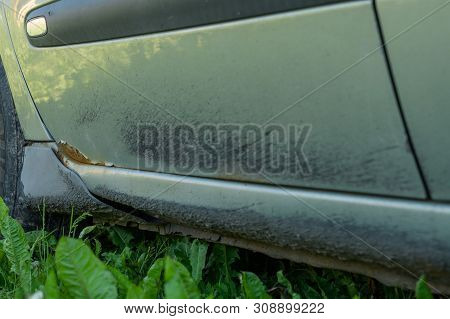 Light Green Car With Rusted Door Dirty, The Destruction Of Old Age, Metal Wear