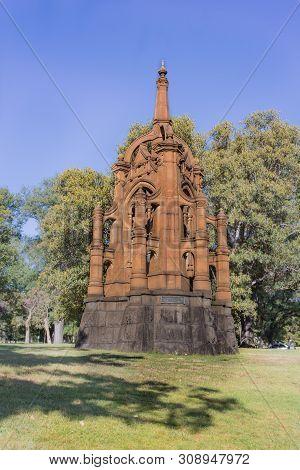 Melbourne, Australia - Victorian Mounted Rifles Memorial, Commemorates Comrades Of 5th Contingent