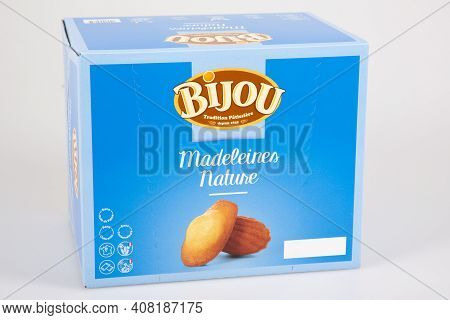 Bordeaux , Aquitaine France - 02 13 2021 : Bijou Madeleine Box Of France Manufacture French Cookies