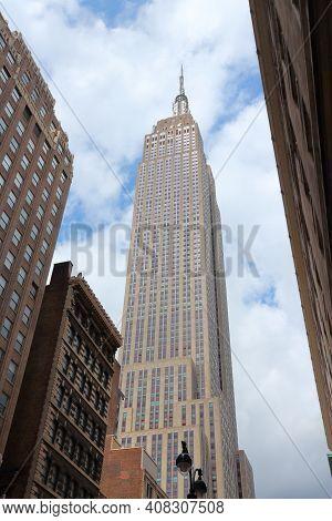 New York, Usa - July 4, 2013: Empire State Building Skyscraper In New York. The Art-deco Style 381m