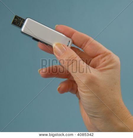 Hand With Usb-Plug Vers 2