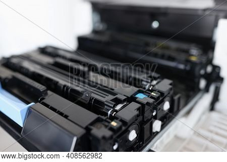 Toner Cartridges For Laser Color Printers And Mfp, Maintenance And Replacement Of Cartridges In Prin