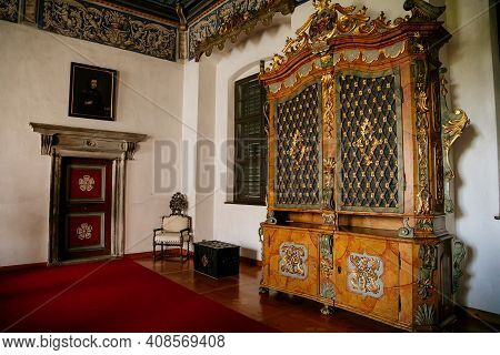 Castle Interior, Baroque And Renaissance Furniture, Golden Hall, Large Wood Carved Inlaid Cabinet Wi