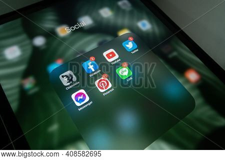 Chonburi, Thailand - February 17, 2021: Clubhouse App With Popular Social Networking Service Apps (f