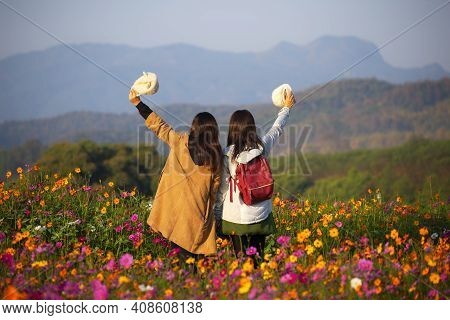 Lifestyle Traveler Women Raise Hand Feeling Good Relax And Happy Freedom And See The Fire Balloon Ou