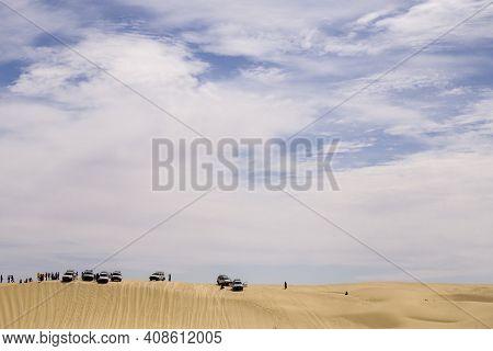 20.05.2020 - Chott El Jerid, Tunisia, Desert - Tourist With 4x4 Wehicles