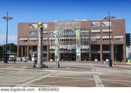 Dortmund, Germany - September 16, 2020: People Visit Rathaus (city Hall) At Friedensplatz Square Dor