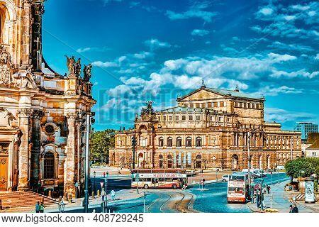 Dresden,germany-september 08,2015: Semperoper Is The Opera House Of The Sachsische Staatsoper Dresde