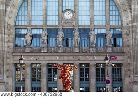 Paris, France - August 30, 2019: This Is The Fragment Of The Main Facade Of The Gare Du Nord.