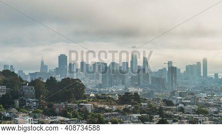 San Francisco, California, Usa - August 2019: San Francisco Downtown Cityscape On A Hazy Day