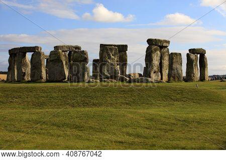 Stonehenge (england), Uk - August 05, 2015: Stonehenge Megalithic Site, Amesbury, Wiltshire , Englan