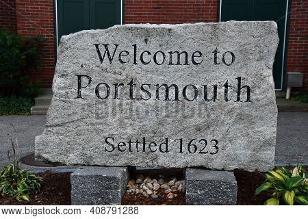 Portsmouth, Nh - Oct 3: Welcome To Portsmouth, New Hampshire Sign In The Usa, As Seen On Oct 3, 2020
