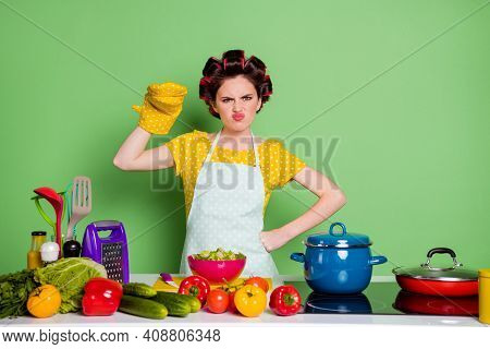 Who Say Dinner Not Yummy. Anger Retro Chef Girl Prepare Supper Have Potholder Tell Argument Table Cu