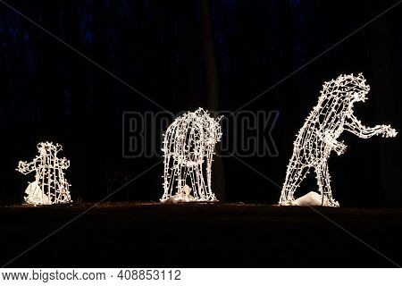 Meriden, Ct - Dec 27: 2020 Festival Of Silver Lights At Hubbard Park In Meriden, Connecticut, As See