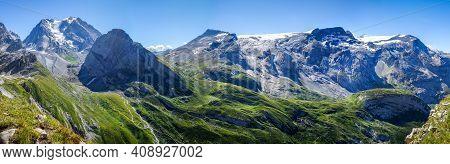 Grande Casse Alpine Glacier Landscape In Pralognan La Vanoise. French Alps. Panoramic View
