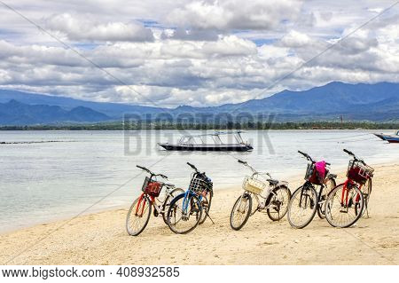 Low Tide Island Indonesia. Gili Air 03.01.2017. View Of Lombok Island. The Main Means Of Transportat