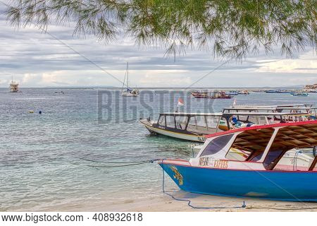 Low Tide Island Indonesia. Gili Air 03.01.2017. The Vicinity Of The Ferry Pier.