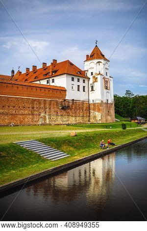 Mir, Belarus - August 04, 2017: Mir Castle Is A Museum And Castle Complex On The Shore Of The Lake.