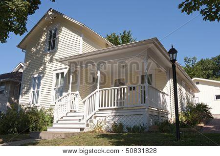 Historic Home Of Local Author In Mankato