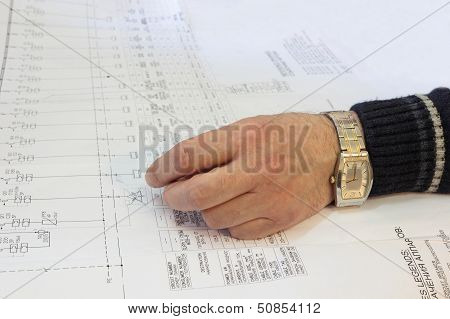 Hand engineer lies in the diagram.