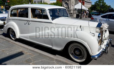 White Rolls Royce limo