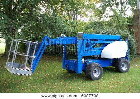 Mechanised cradle