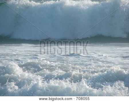 Hugh Waves