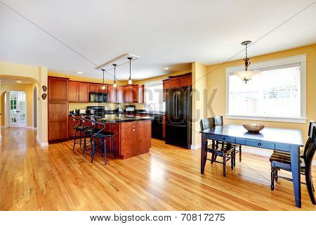 Spacious Kitchen Room With Dining Area