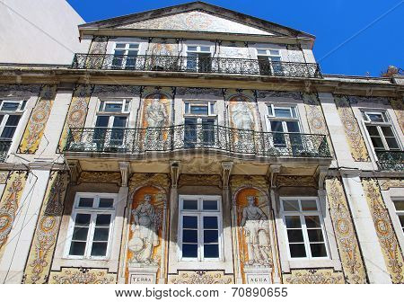 Beautifil Tiled Building In Chiado District Of Lisbon, Portugal