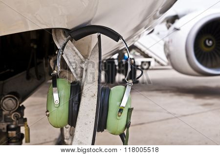 Ear Protecting Headphones On A Plane