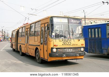Ikarus-ganz 280T