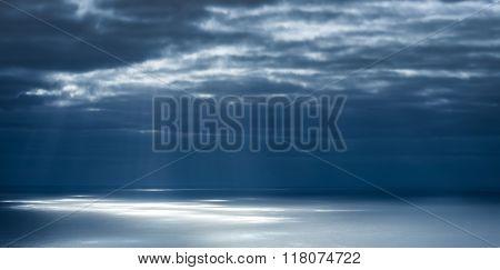 Light rays on the ocean surface