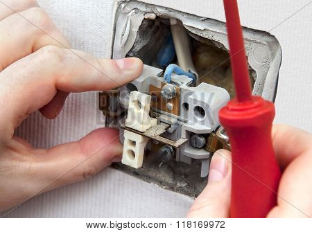 Dismantling And Replacing An Old, Defective Wall Power Switch Light.