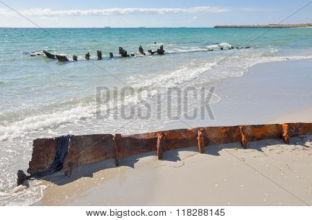 Shipwreck: Buried on the Beach