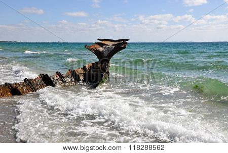 Shipwreck: Indian Ocean Coast