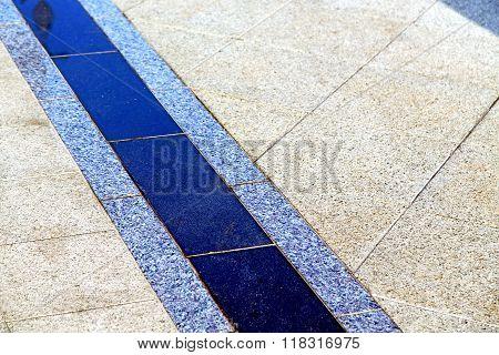 In    Cross Stone Step    Temple Reflex