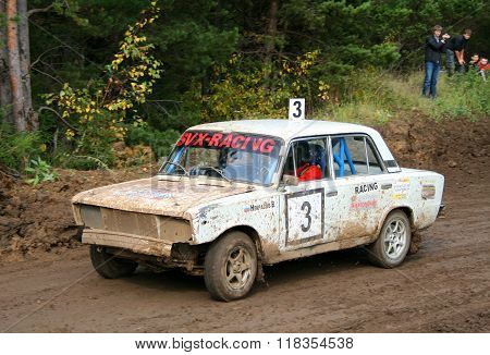 ZLATOUST, RUSSIA - SEPTEMBER 26: Buggy (No. 3) of team SVX-Racing competes at the auto cross racing Championship of Chelyabinsk region on September 26, 2009 in Zlatoust, Chelyabinsk region, Russia.