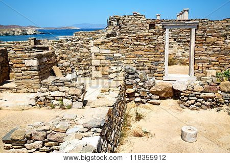 Famous   In Delos Greece The Door