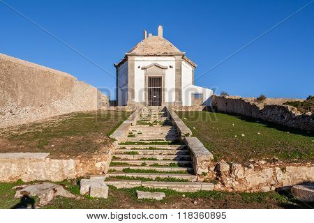 Casa da Agua (Water House), an 18th century fountain and reservoir built for the pilgrims of the Nossa Senhora do Cabo Sanctuary. Espichel Cape, Sesimbra, Portugal.