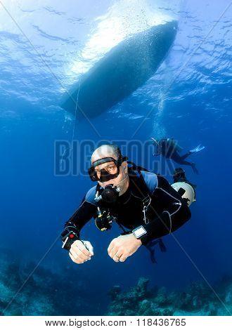 Sidemount SCUBA Diving