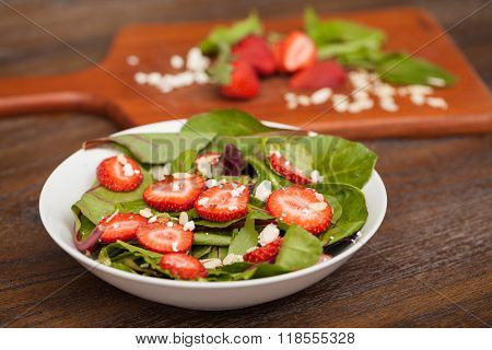 Healthy Salad With Spinach And Strawberries