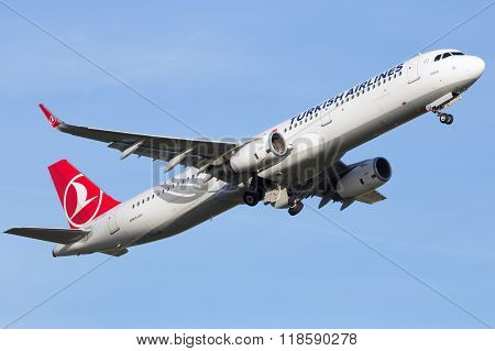 Turkish Airlines Airbus A321-231(wl)
