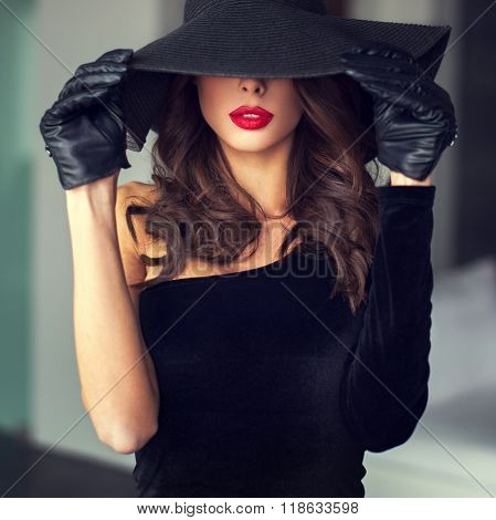Sexy Brunette Woman With Red Lips In Hat