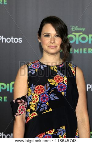 LOS ANGELES - FEB 17:  Katie Lowes at the Zootopia Premiere at the El Capitan Theater on February 17, 2016 in Los Angeles, CA