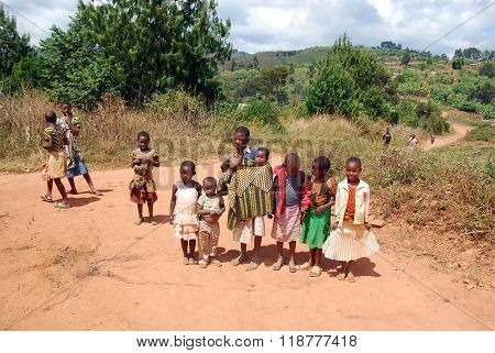 The Children Of Kilolo Mountain In Tanzania - Africa 22