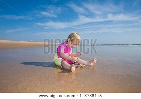Baby Counting Sea Shells