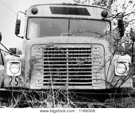 Abandoned_Bus