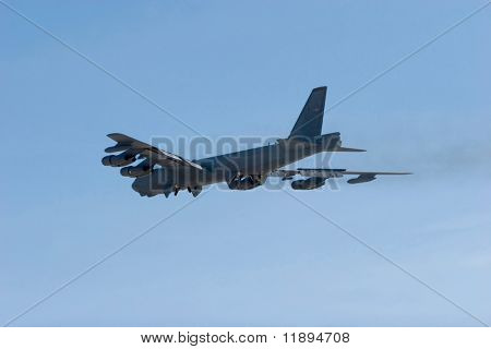 B-52 heavy combat bomber airplane